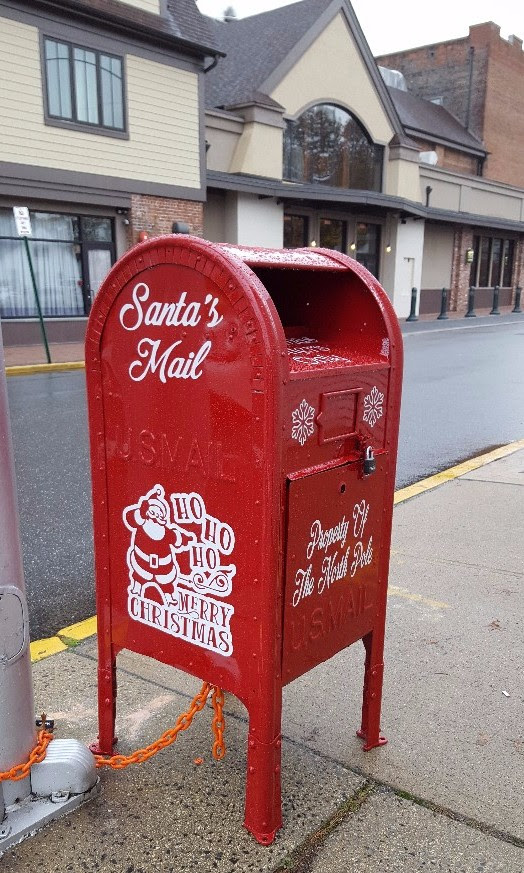 Santa's Mailbox has arrived !